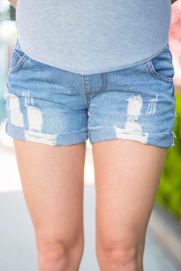 trendy maternity shorts
