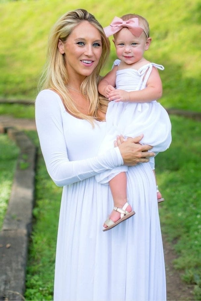 mother daughter maternity shoot