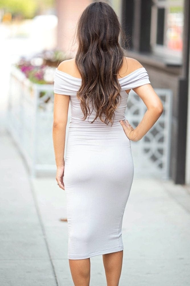 classy maternity dress