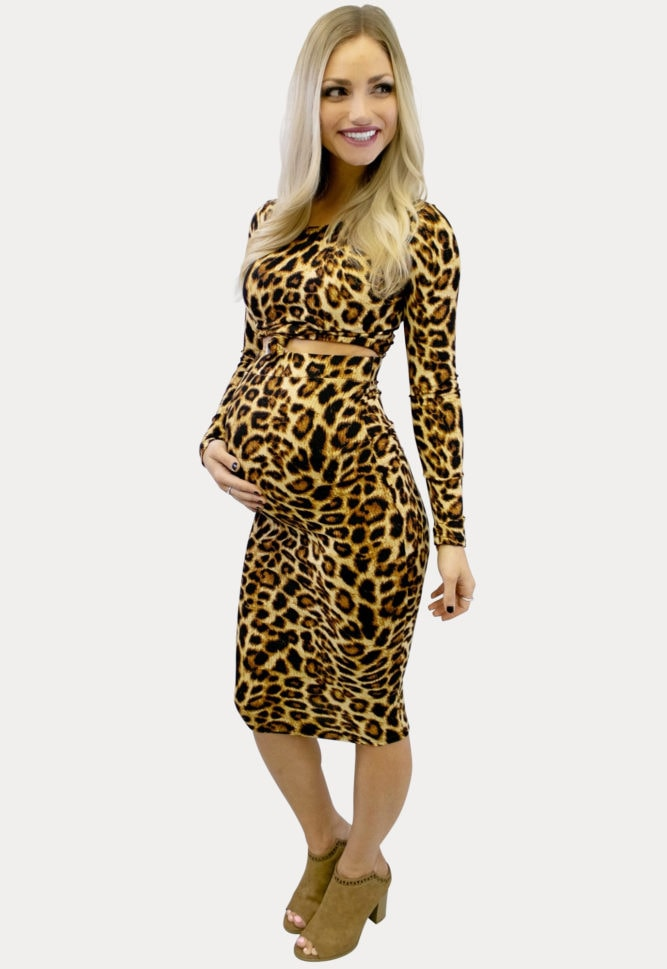 Leopard skirt crop maternity outfit