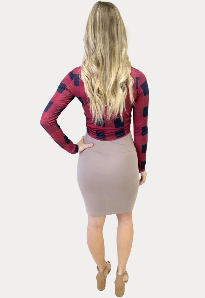 plaid pregnancy outfit