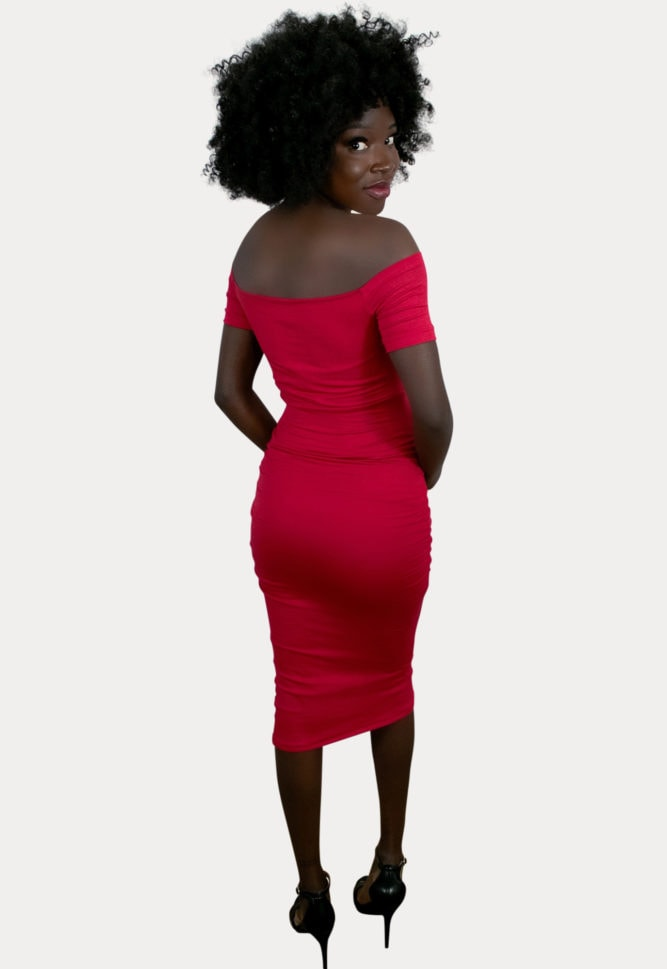 ruched sweetheart maternity dress